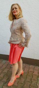 Taillierter Blazer zum Kleid