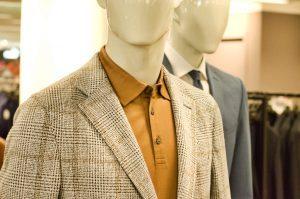 Kaufhauspuppen Anzüge