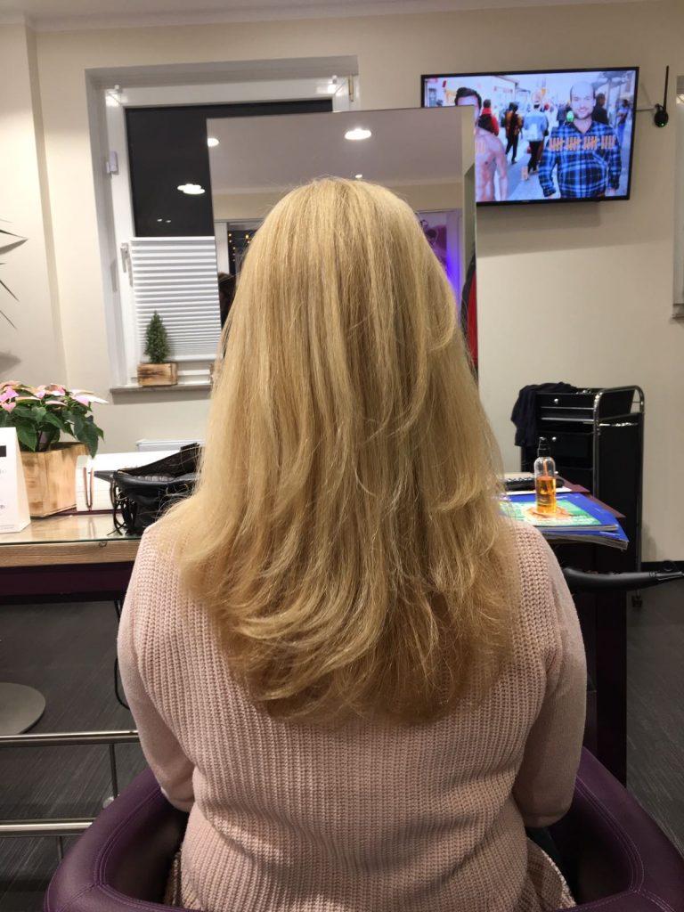 Foto gepflegte Haare hier Mähne mit Haaröl gepflegt